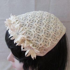 Accessories - Vintage Cream-Colored Flower Hat
